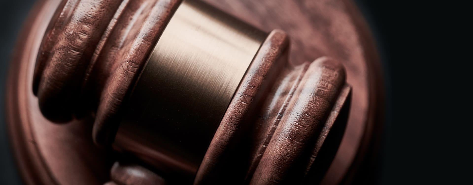 Arbeitsvertrag kündigen & von einem Anwalt prüfen lassen